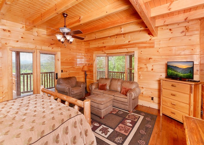 Pigeon Forge Cabin- Awesome Views Mountain Retreat– Bedroom 1