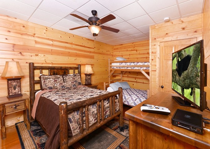 Pigeon Forge Cabin- Awesome Views Mountain Retreat– Bedroom 6