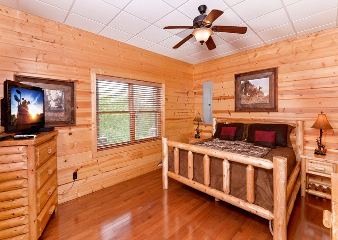 Pigeon Forge Cabin- Awesome Views Mountain Retreat– Bedroom 7