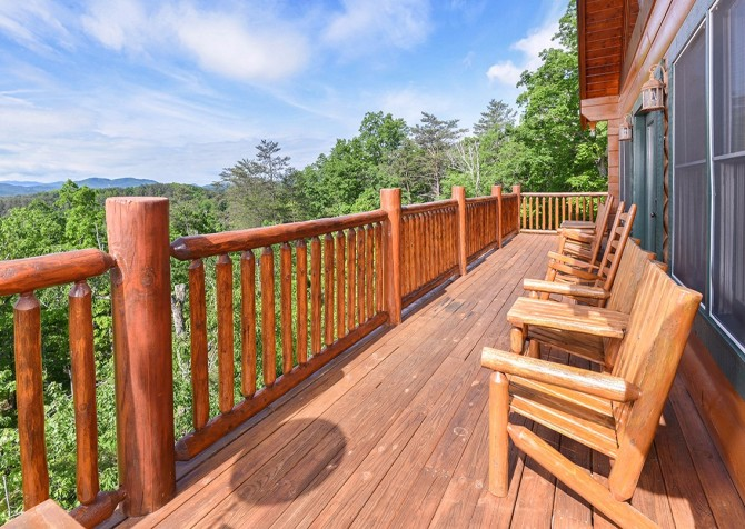 Pigeon Forge Cabin- Awesome Views Mountain Retreat– Deck Rocking Chairs