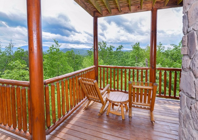 Pigeon Forge Cabin- Awesome Views Mountain Retreat– Deck Seating