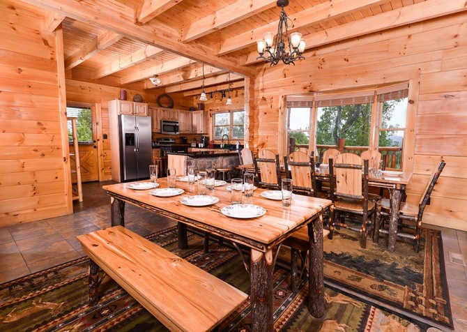 Pigeon Forge Cabin- Awesome Views Mountain Retreat– Dining Area