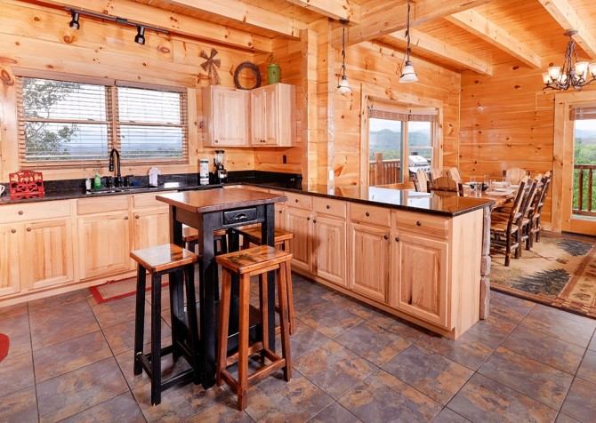 Pigeon Forge Cabin- Awesome Views Mountain Retreat– Kitchen