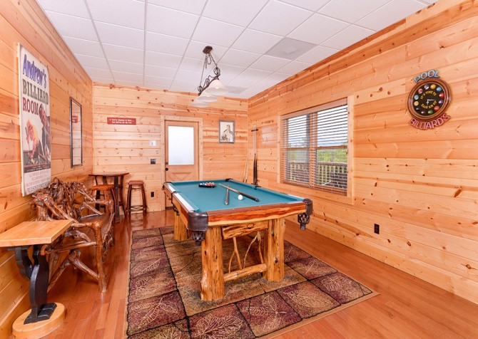 Pigeon Forge Cabin- Awesome Views Mountain Retreat– Pool Table