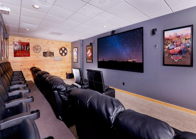 Pigeon Forge Cabin- Awesome Views Mountain Retreat– Theater Room