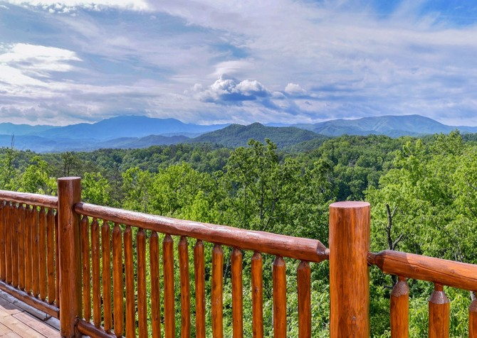 Pigeon Forge Cabin- Awesome Views Mountain Retreat– Deck View