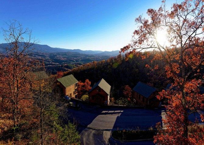 Pigeon Forge Cabin- Awesome Views and a Theater – Fall View