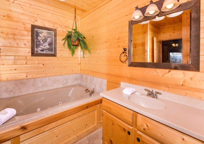 Pigeon Forge Cabin- Awesome Views and a Theater – Indoor Jetted Tub