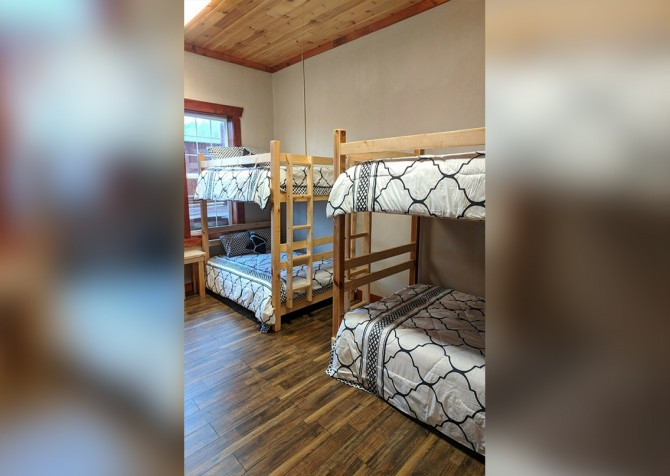 Pigeon Forge Cabin- Paradise in the Mountains – Bedroom