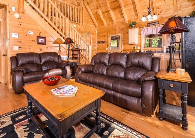 Pigeon Forge - A Bear Creek Crib - Living Room