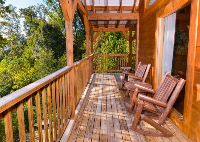 Pigeon Forge - A Bearz Haven - Deck