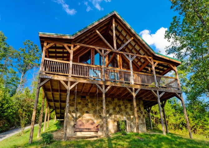 Pigeon Forge - A Bearz Haven - Exterior