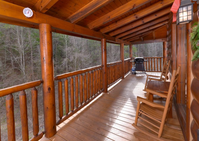 Pigeon Forge Cabin- American Bear Cabin – Deck Grill - Rocking Chairs