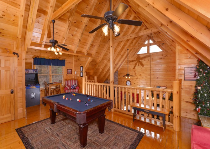 Pigeon Forge Cabin- American Bear Cabin – Pool Table