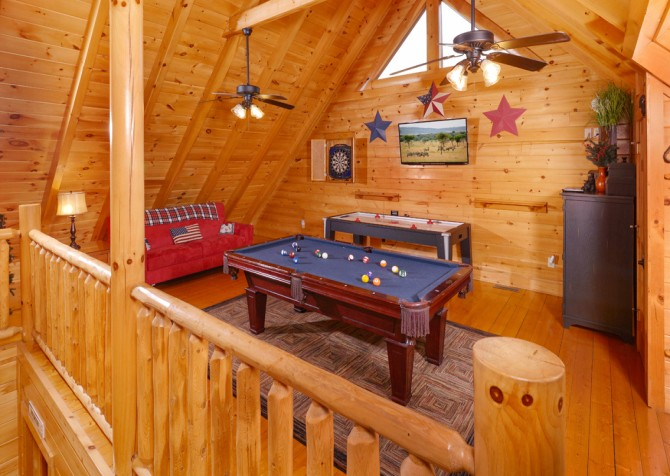 Pigeon Forge Cabin- American Bear Cabin – Loft Game Room