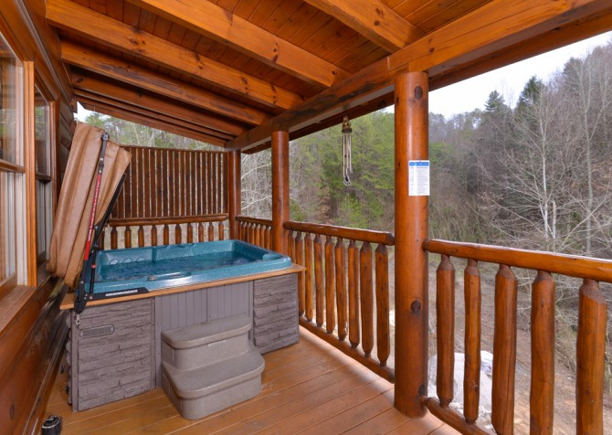 Pigeon Forge Cabin- American Bear Cabin – Outdoor Hot Tub