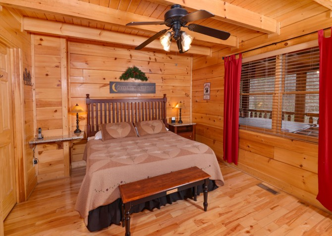 Pigeon Forge Cabin- American Bear Cabin – Bedroom 1