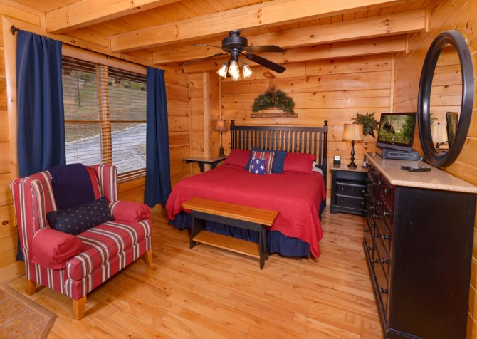 Pigeon Forge Cabin- American Bear Cabin – Bedroom 2