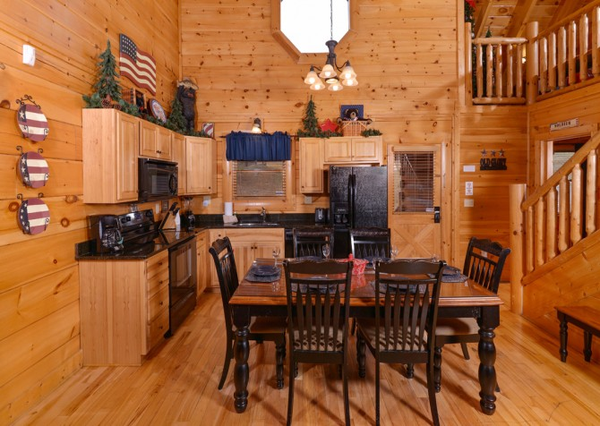 Pigeon Forge Cabin- American Bear Cabin – Dining Area - Kitchen