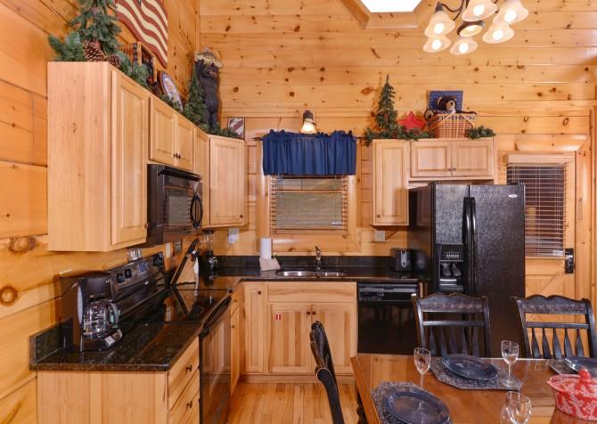 Pigeon Forge Cabin- American Bear Cabin – Kitchen