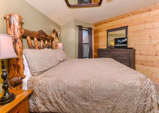 Apparent Seclusion - Bedroom