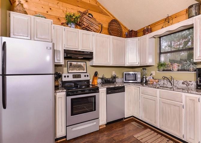 Apparent Seclusion - Kitchen
