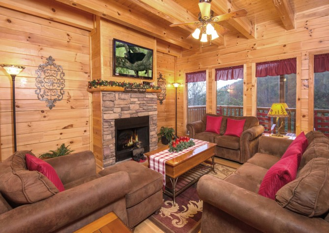 Pigeon Forge Cabin- Be Our Guest – Living Room