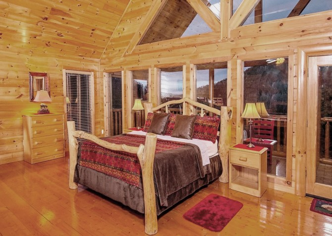 Pigeon Forge Cabin- Be Our Guest – Loft Bed