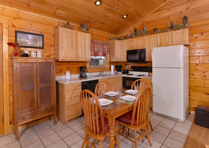 pigeon forge cabin – close to heaven – kitchen
