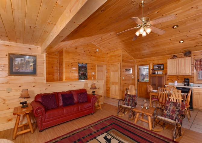 pigeon forge cabin – close to heaven – living