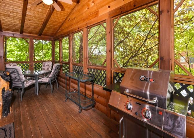 Gatlinburg Cabin - Bear Elegance - Grill