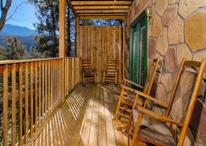 Gatlinburg Cabin - Bear Tracks - Deck