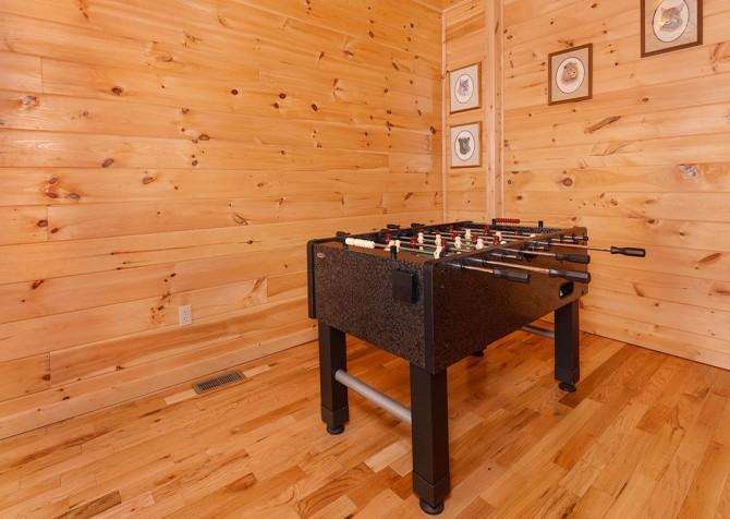 Gatlinburg Cabin - Bear Tracks - Games