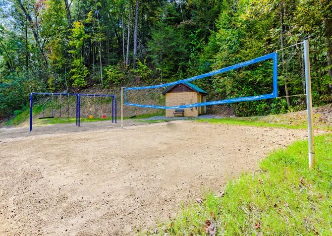 Gatlinburg Cabin - Bear Tracks - Resort Volleyball Court