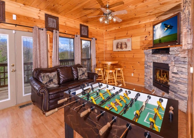 Gatlinburg Cabin - Bearfoot Landing - Games