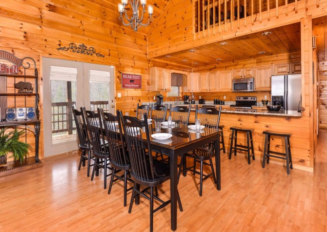 Gatlinburg Cabin - Bearfoot Landing - Dining Room