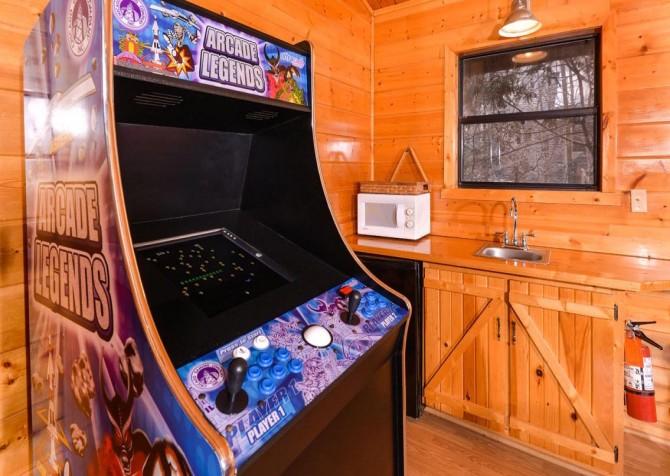 Gatlinburg Cabin - Bearfoot Lodge - Arcade