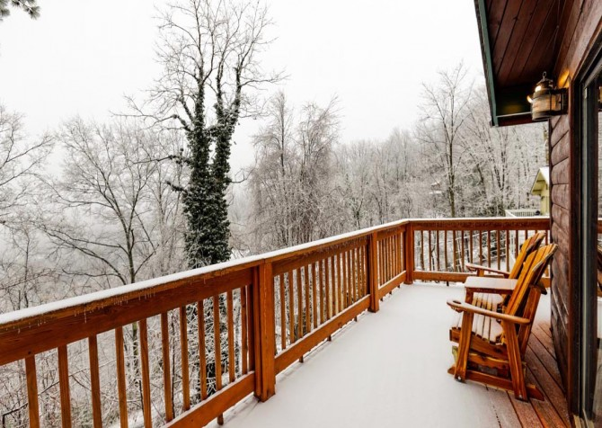 Gatlinburg Cabin - Bearfoot Lodge - Deck with View