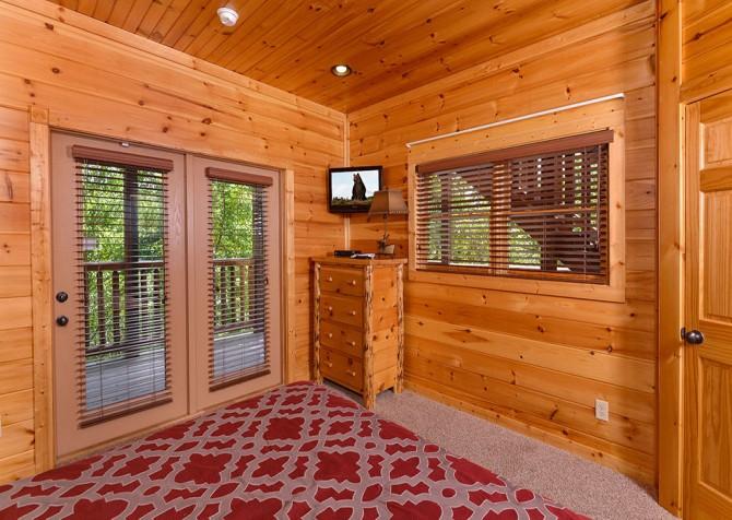 Gatlinburg Cabin - Bearskin Lodge - Bedroom
