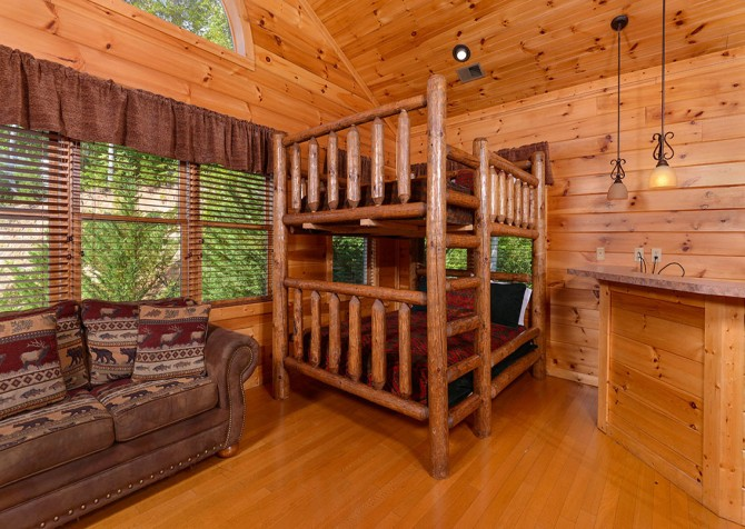 Gatlinburg Cabin - Bearskin Lodge - Bunk Bed