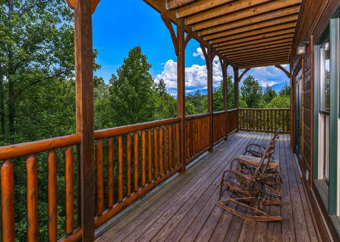 Gatlinburg Cabin - Bearskin Lodge - Deck with View