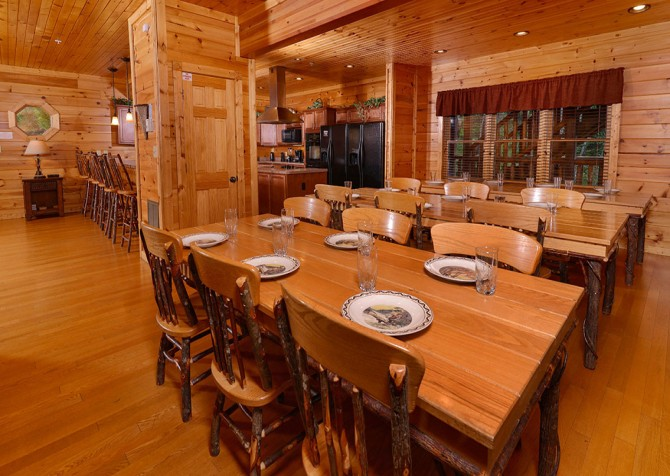 Gatlinburg Cabin - Bearskin Lodge - Dining Room