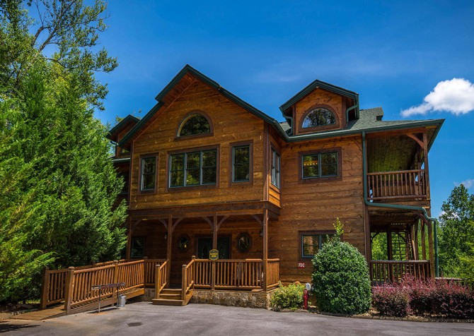 Gatlinburg Cabin - Bearskin Lodge - Exterior Cabin