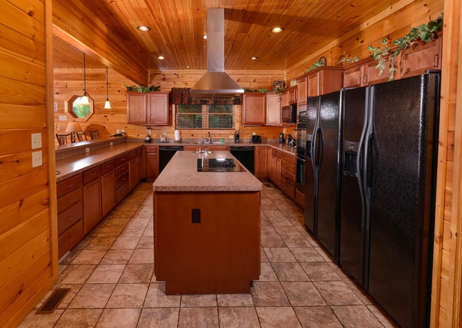 Gatlinburg Cabin - Bearskin Lodge - Kitchen