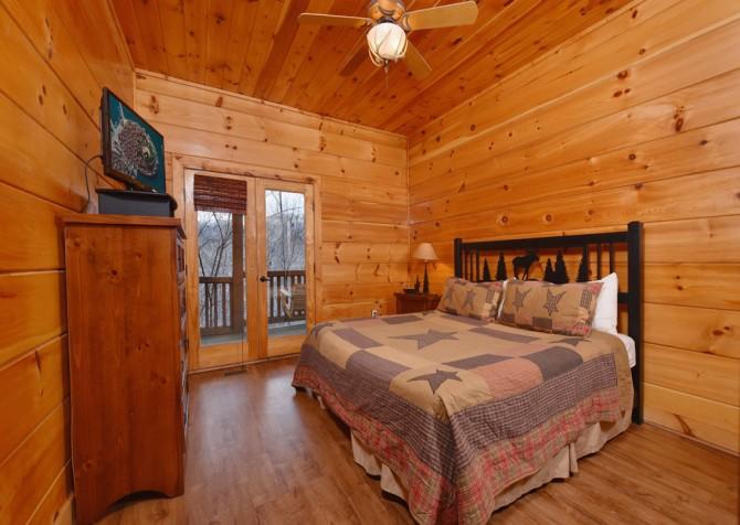 Gatlinburg - A Bear's Eye View - Bedroom