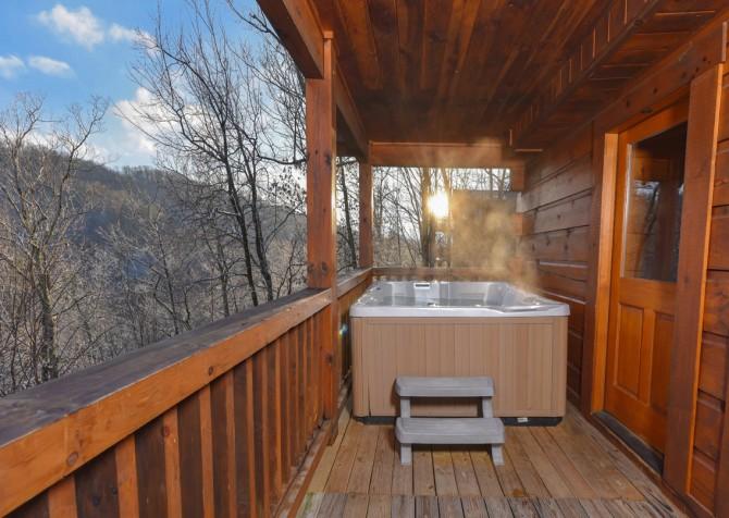 Gatlinburg - A Bear's Eye View - Hot Tub