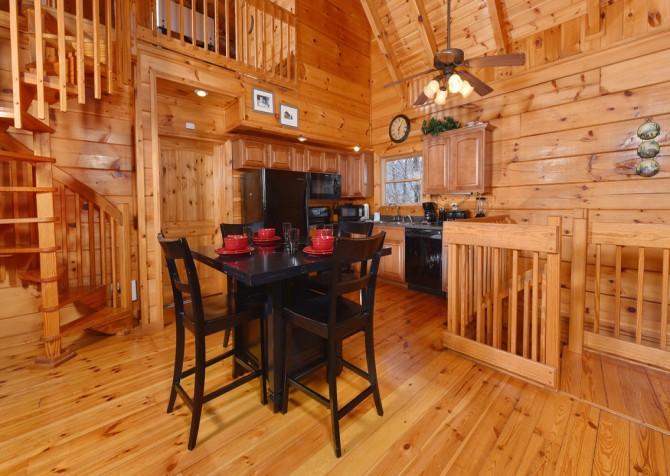 Gatlinburg - A Bear's Eye View - Kitchen