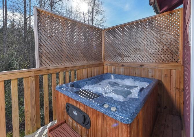 Gatlinburg - A Blissful Bear - Hot Tub