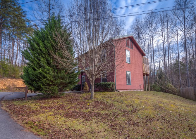 Gatlinburg - A Blissful Bear - Exterior