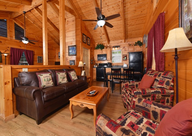 Gatlinburg - A Blissful Bear - Living Room